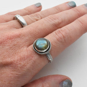 Flashy Labradorite and Sterling Silver Ring Size 9 US