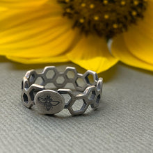 Load image into Gallery viewer, Silver Bee and Honeycomb Ring. Solid 925 Sterling Silver Stamped Ring Size 7 US