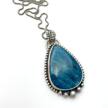 Load image into Gallery viewer, Apatite and Sterling Silver Pendant Necklace.