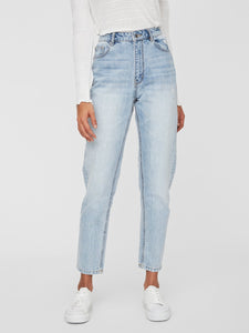 Joana High Rise Mom Ankle Destroyed Jeans LI325
