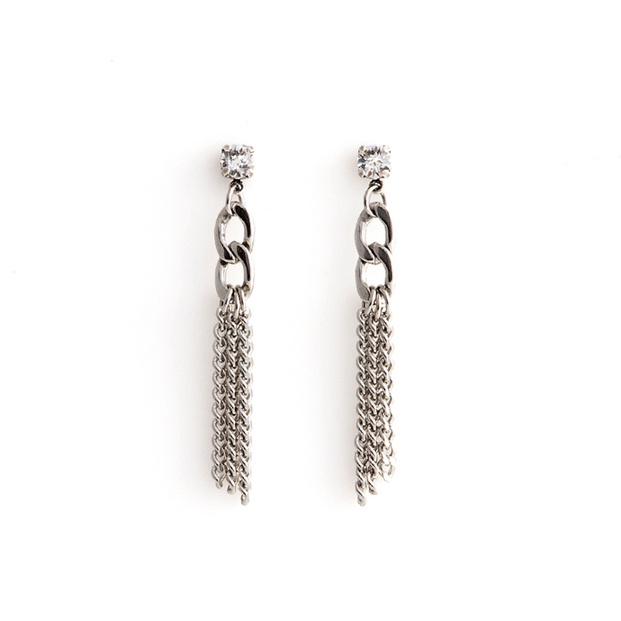 Crystal and chain edgy earrings by ESTRELA