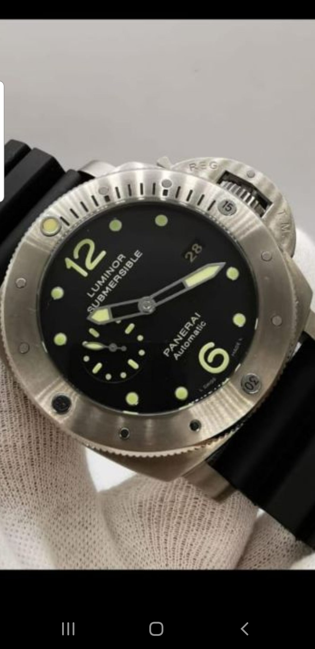 Panerai include box and papers
