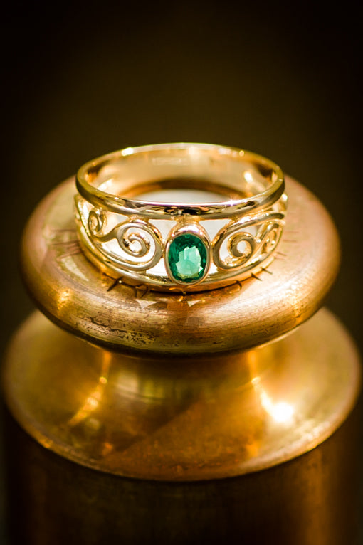 Cultured Emerald Celtic Schroll Ring