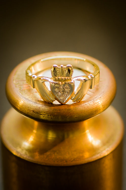 Ladies diamond claddagh ring