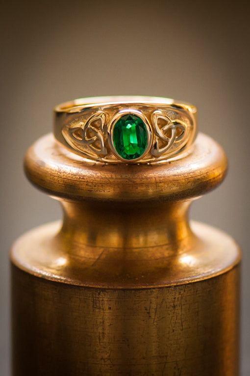 emerald celtic knot ring