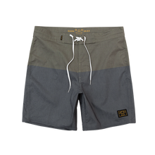 "Load image into Gallery viewer, Dark Seas Boardshort 17"" black\army"