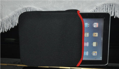 Laptop Bag/Sleeve/Pouch for 10 Inch Notebook Neoprene Material Reversible Sleeves Black and Red