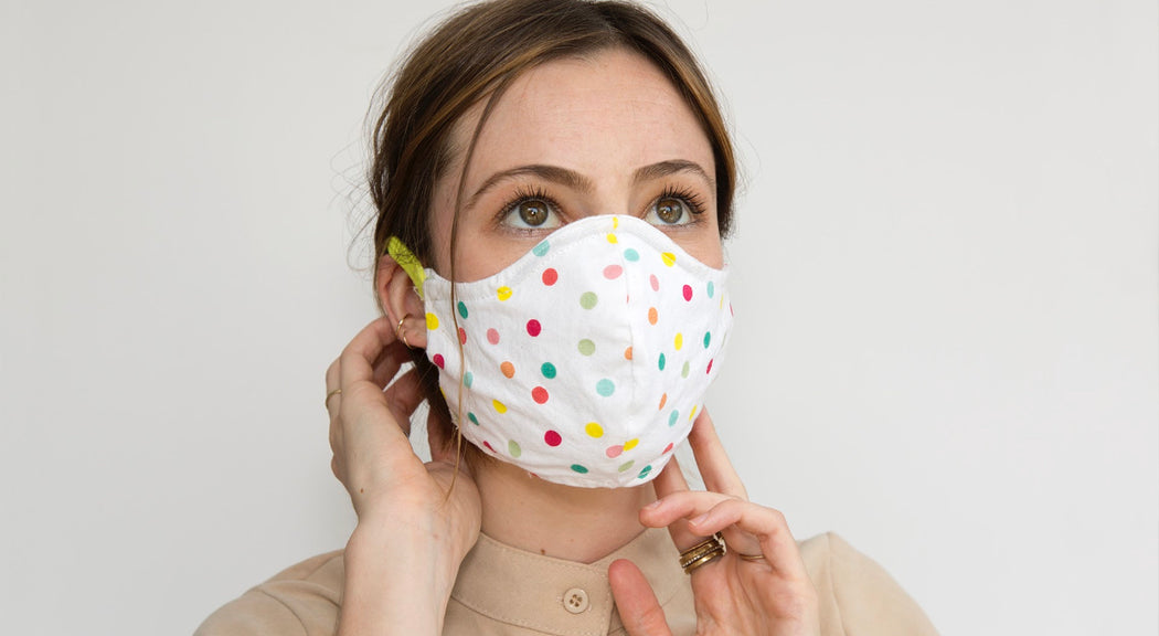 Our HEPA 99% barrier fun Bethany polka dot face mask is the perfect accessory for your summer adventures. Made of 100% breathable washable canvas, 100% soft polka dot cotton lining and a nose grip, Bethany also features soft elastic headbands for ultimate comfort.