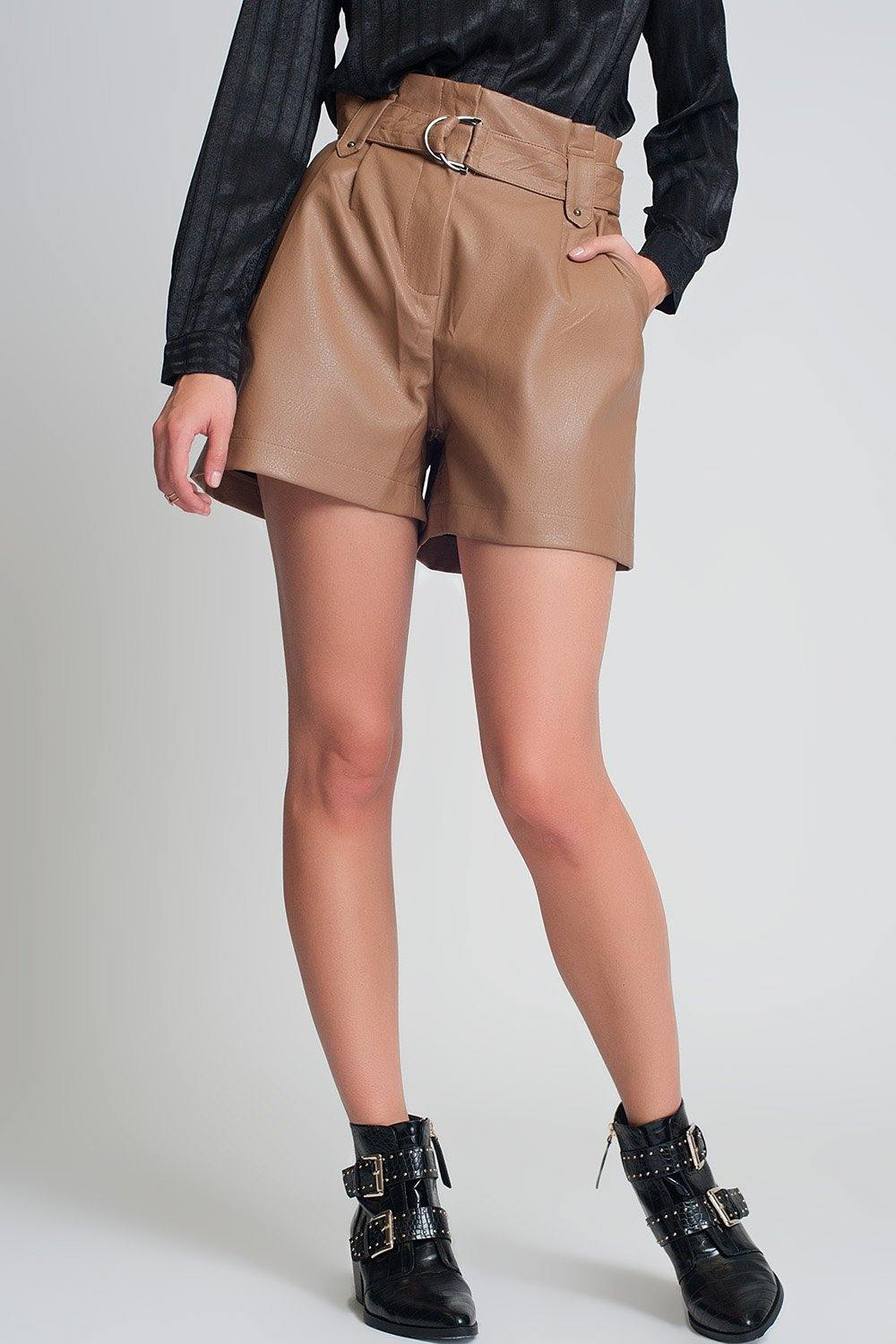 Q2 Belted faux leather shorts in camel
