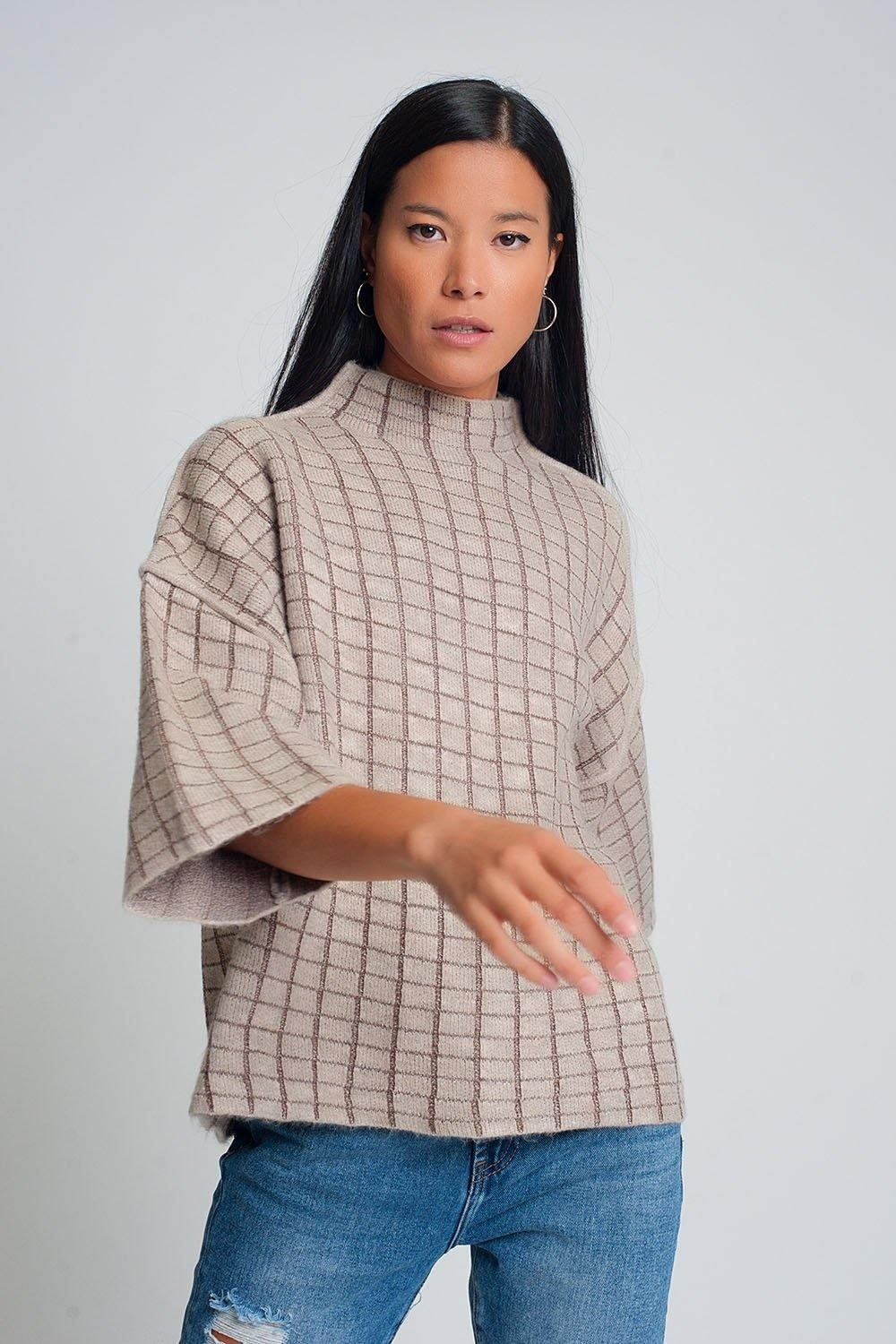 Q2 Fine knit sweater with high neck in beige check pattern