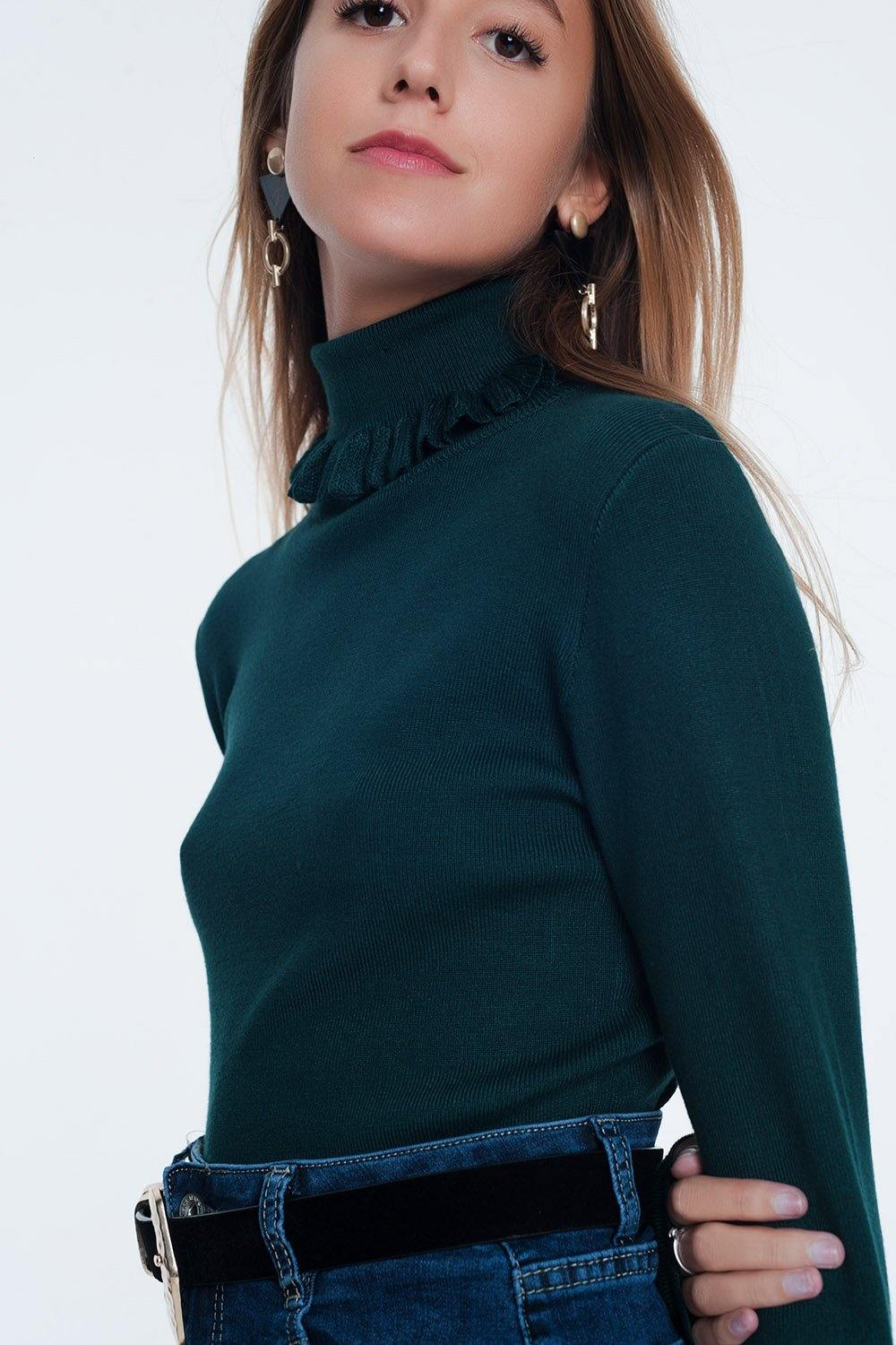 Q2 Green turtleneck sweatshirt