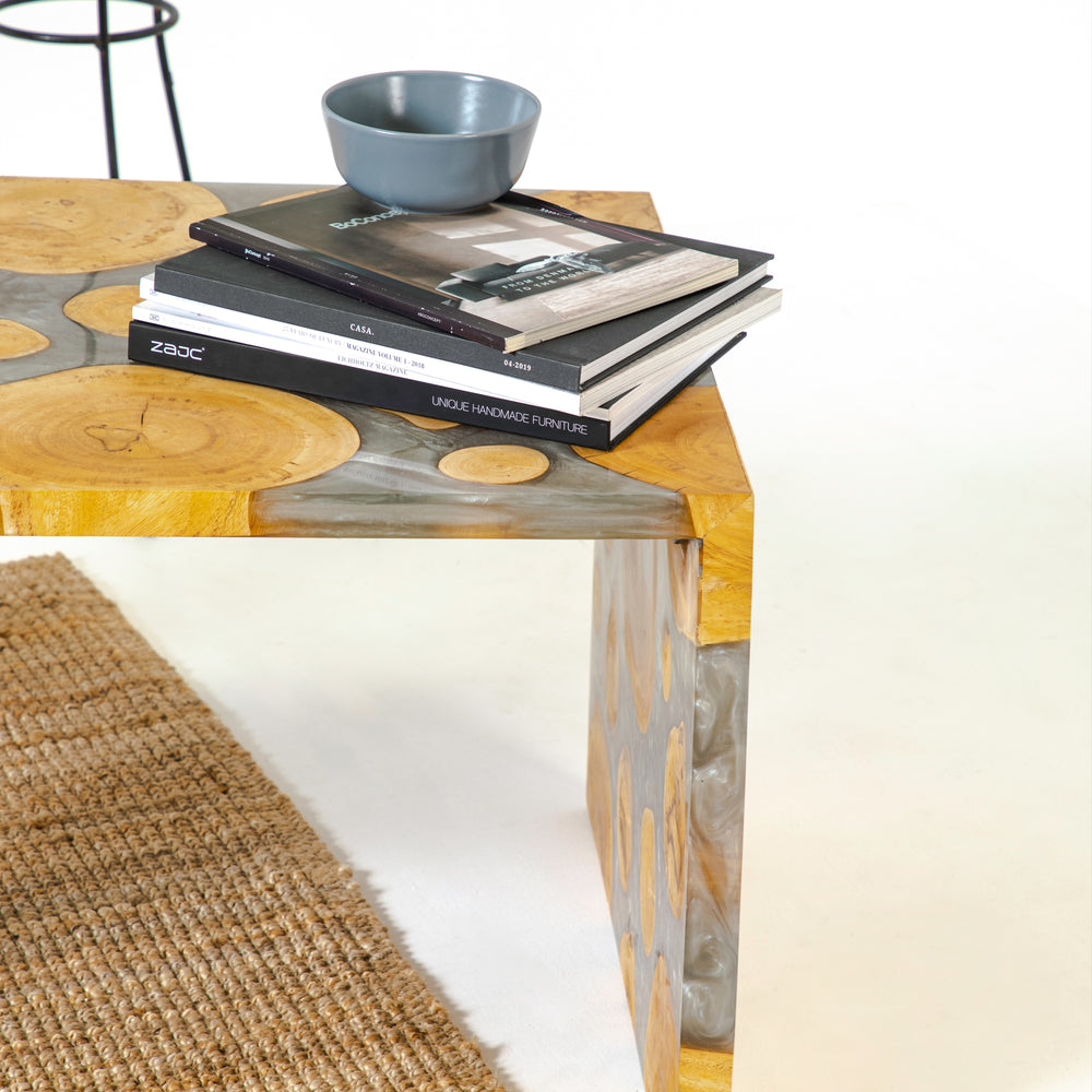 RONDUS RESIN COFFEE TABLE