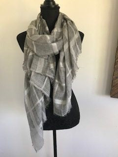 Scarf - Grey with square pattern