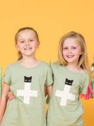 Stella & Gemma Mini - Eden Tee green with pink cross and black cat