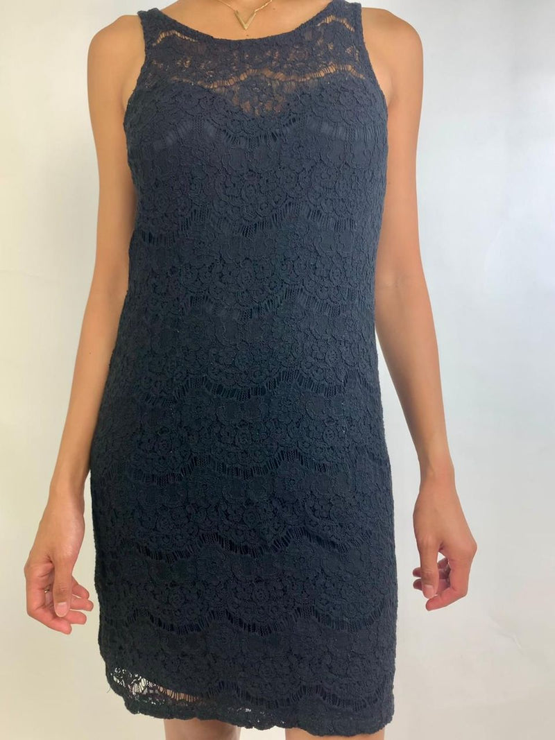 Black lace dress (Medium)