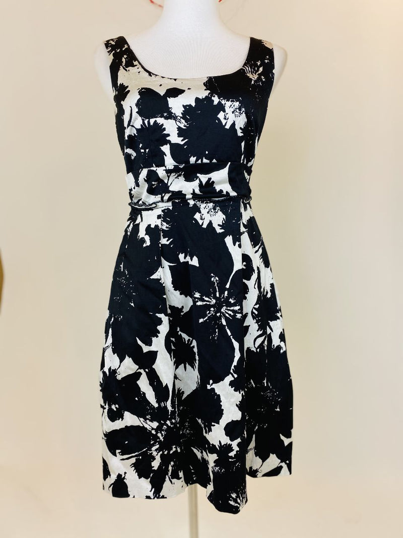Ann Taylor Black and White Dress (Small)