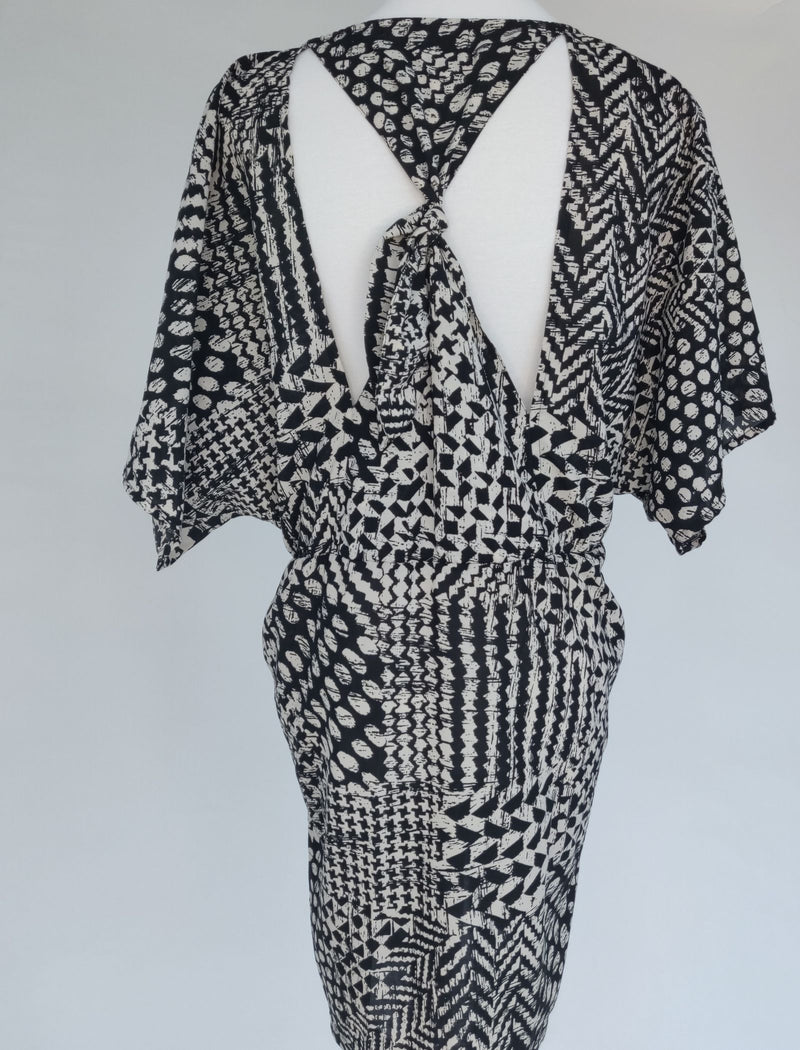 Miss Selfridge Black and White Patterned Dress with Full Zipper on Front (Medium)