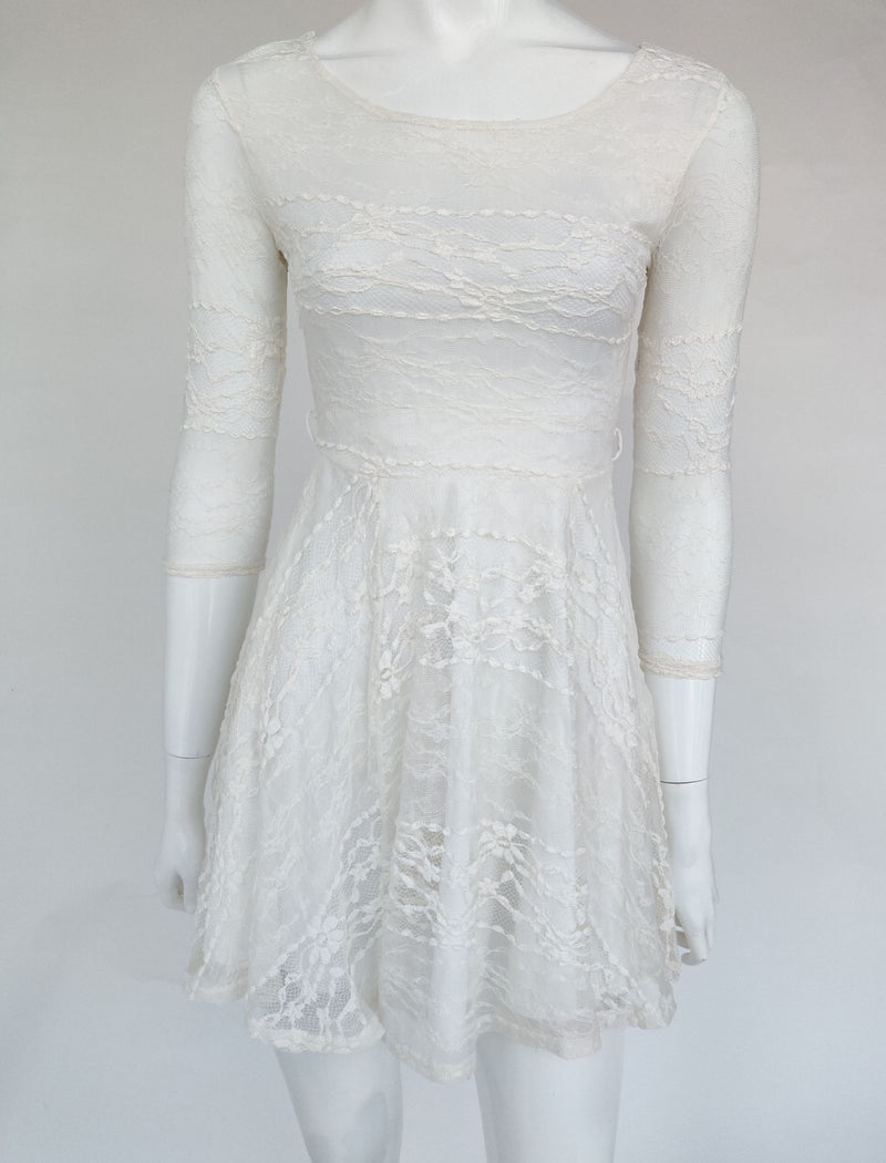 River Island White Lace Dress with 3/4 Sleeves (XS)