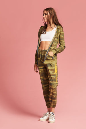 Camo Classic Bolt Sweatpants