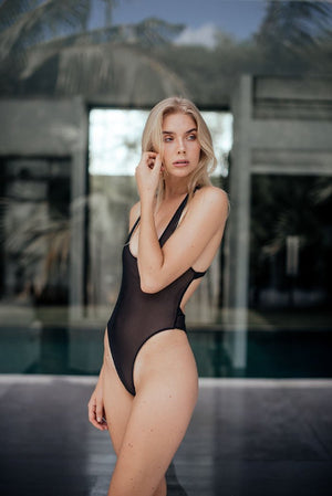 Lola One Piece | Veronika Pagan