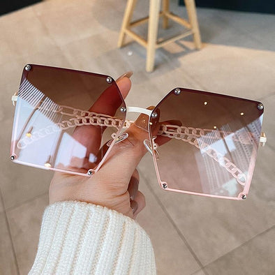 New Fashion Oversize Gradient Sunglasses For Women Vintage Alloy Chain Frame Rivet Square Sun Glasses Female Elegant Shades