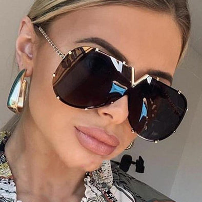 2021 New Fashion One Piece Shield Sunglasses For Women Vintage Oversized Paw Sun Glasses Men Uv400 Hip Hop Punk Eyewear Black