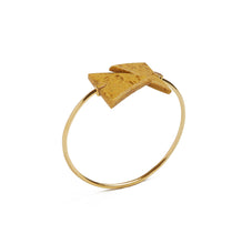 Load image into Gallery viewer, Mustard Triangle Spiral Bangle