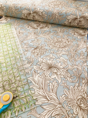 William Morris Chrysanthemum Toile Wideback