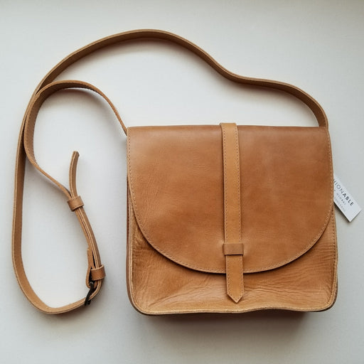 Tirhas Saddlebag in Cognac