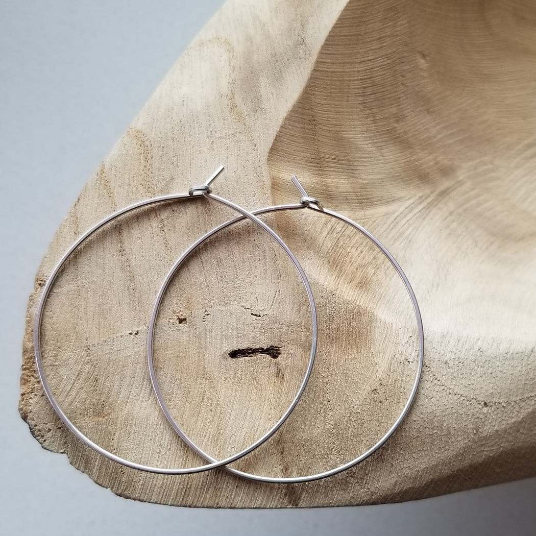 Pure Hoops in Silver (medium)