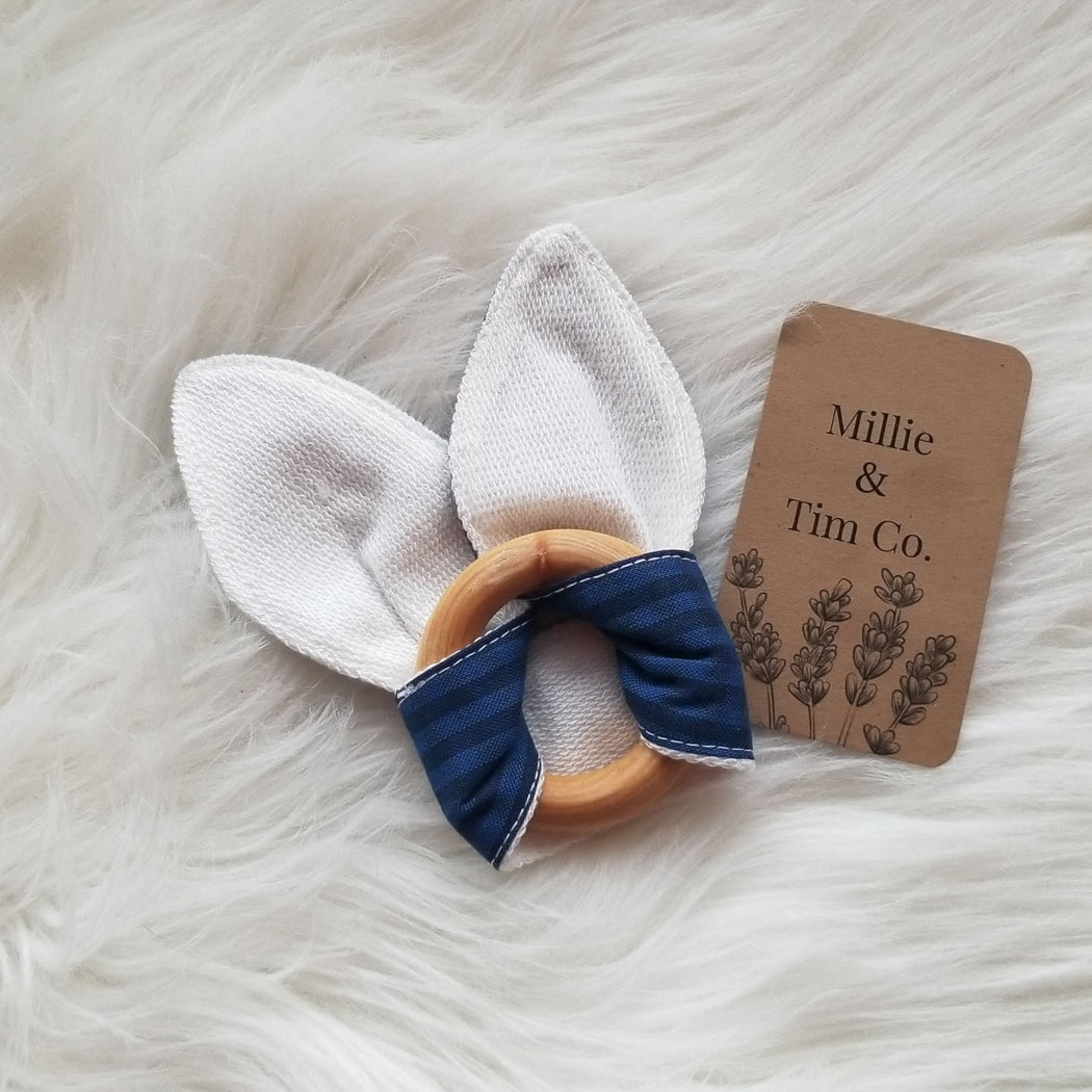 Bunny Ears Organic Teething Ring (blue)