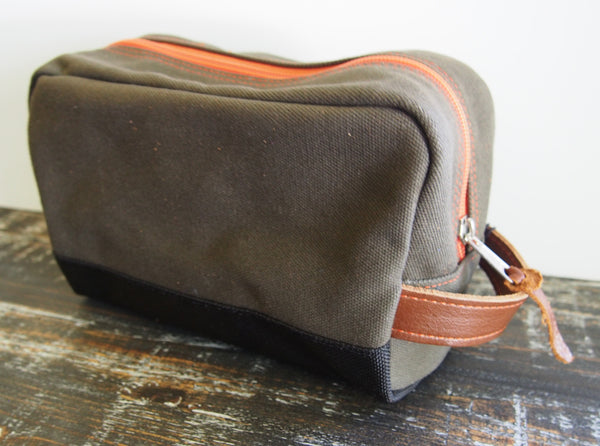 Hey Handsome Shaving Kit Bag in Army Green