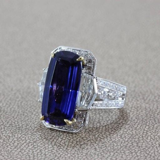 Magnificient Tanzanite Diamond Gold Ring