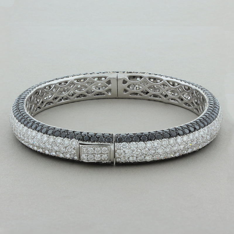 White and Black Diamond Pavé Gold Eternity Bracelet