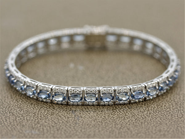 Aquamarine Diamond Gold Line Bracelet