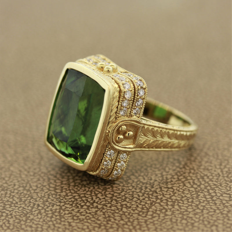 Antique Style Green Tourmaline Diamond Gold Cocktail Ring