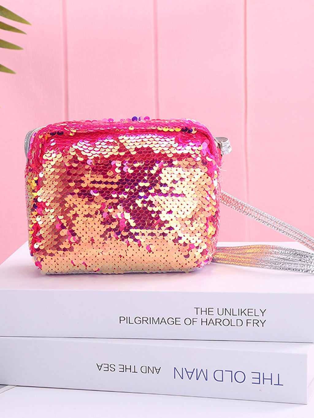 Girls Sequin Heart Pattern Crossbody Bag