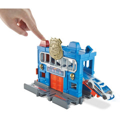Hot Wheels City Downtown Police Station Breakout Img 1 - Toyworld