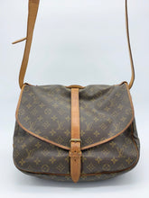 Load image into Gallery viewer, Louis Vuitton Saumur 35