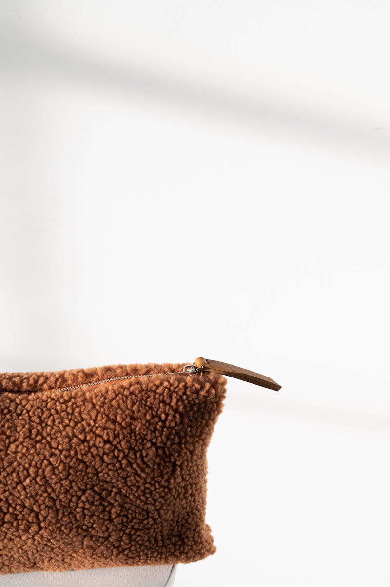 Teddy Clutch - Camel