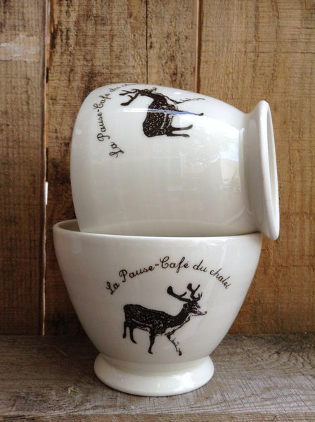 La pause-café du chalet, french inscription.Handmade bowl with a deer for the chalet