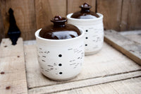 Garlic cellar with a birch pattern. keep your garlic longer,  with this pot with three holes. Made of porcelain in Quebec