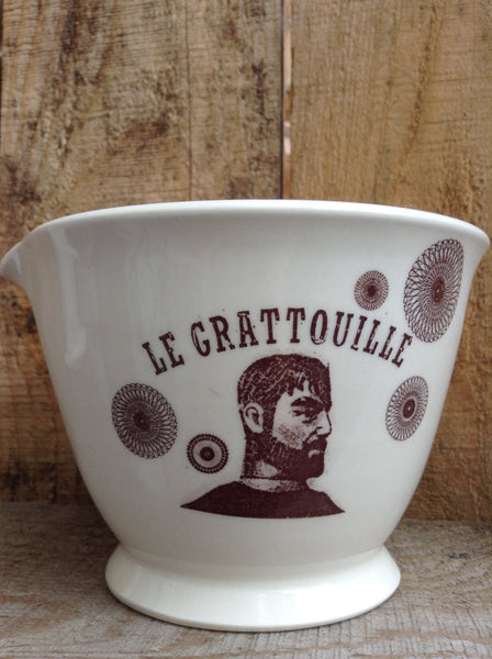 Vinaigrette bowl, perfect gift for a chef. Garlic grater inside the ceramic bowl.Great kitchen accessorie