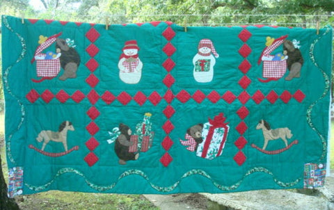 Christmas Quilt FREE US Shipping Machine Stitched Hand Quilted Christmas Gift Christmas Decor Hand Made