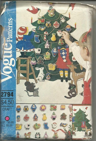 1980s Advent Calendar & Ornaments Pattern DIY Christmas Wall Hanging Christmas Crafts Christmas Decor Vogue 2794 Uncut Small Envelope