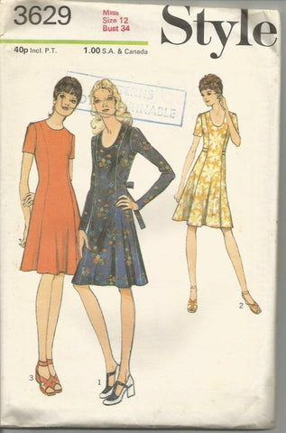 1970s Flared Dress Long or Short Sleeves Neckline Variations Style 3629 Uncut FF Bust 34 Women's Vintage Sewing Pattern