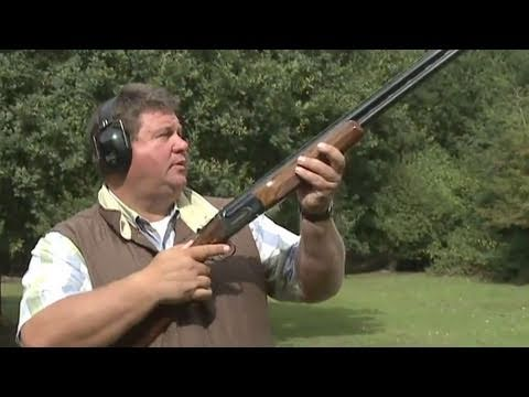 Fieldsports Britain - Clayshooting cartridges with Digweed, rough shooting and straight shooting