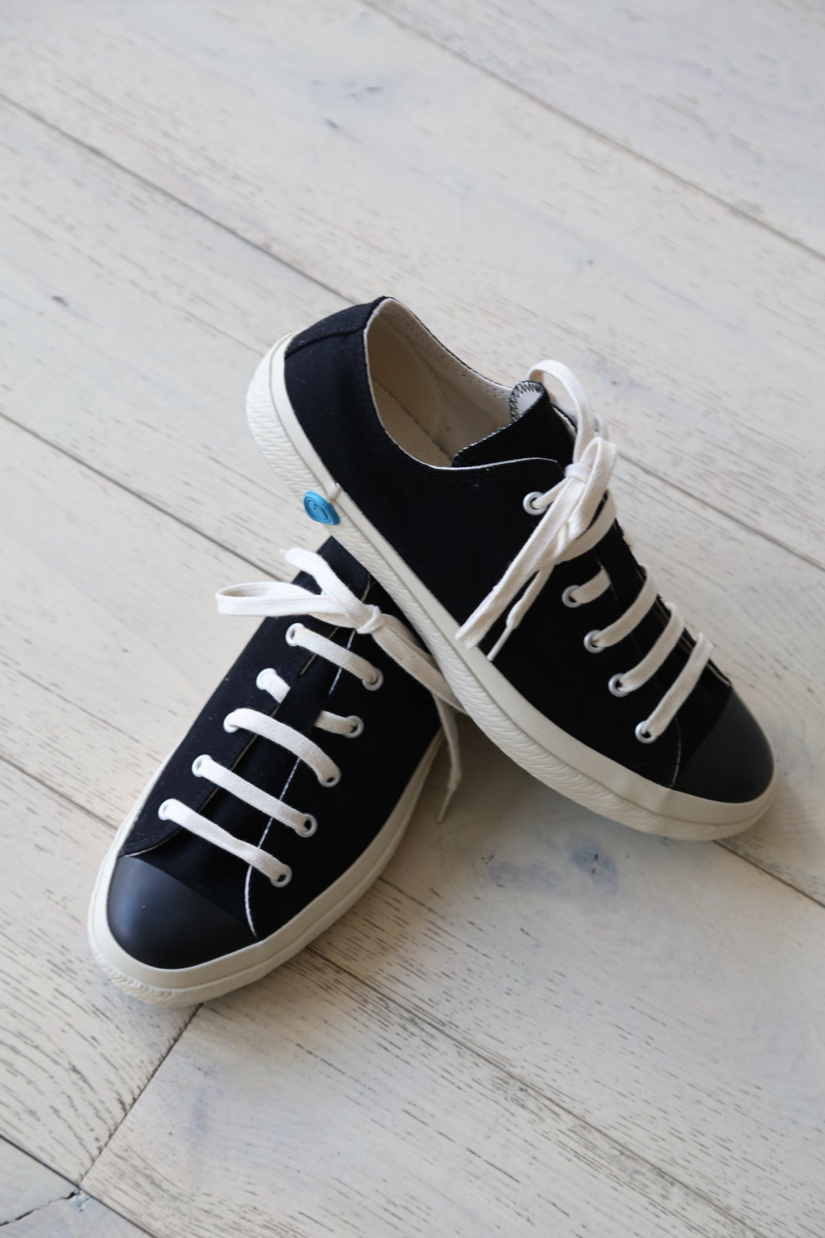 Shoes Like Pottery Low Top Sneaker Black