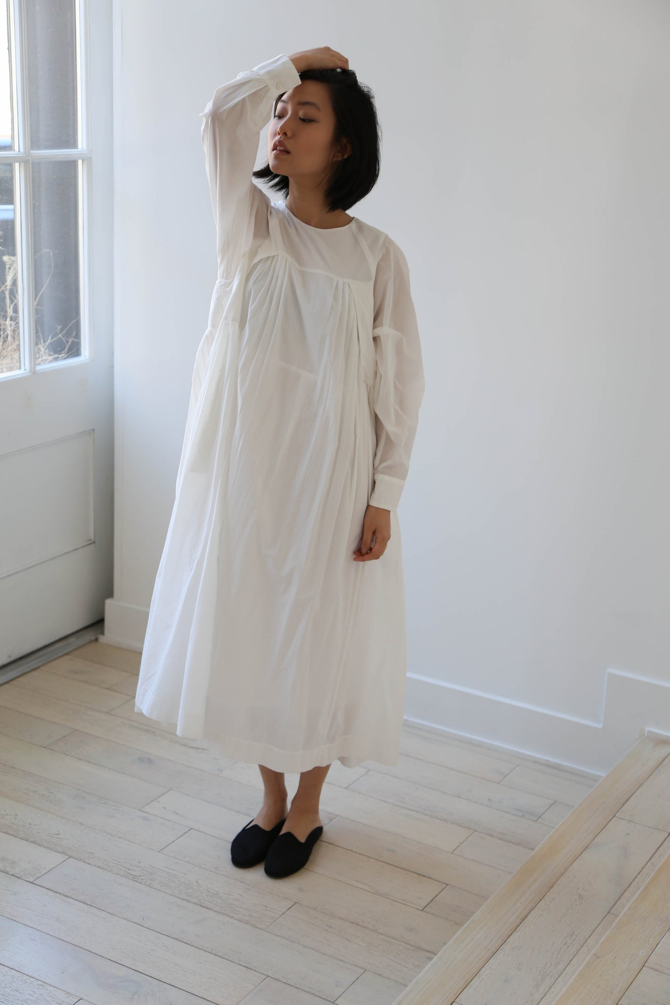 Arts & Science Raglan Gather Pleat Dress in Off White