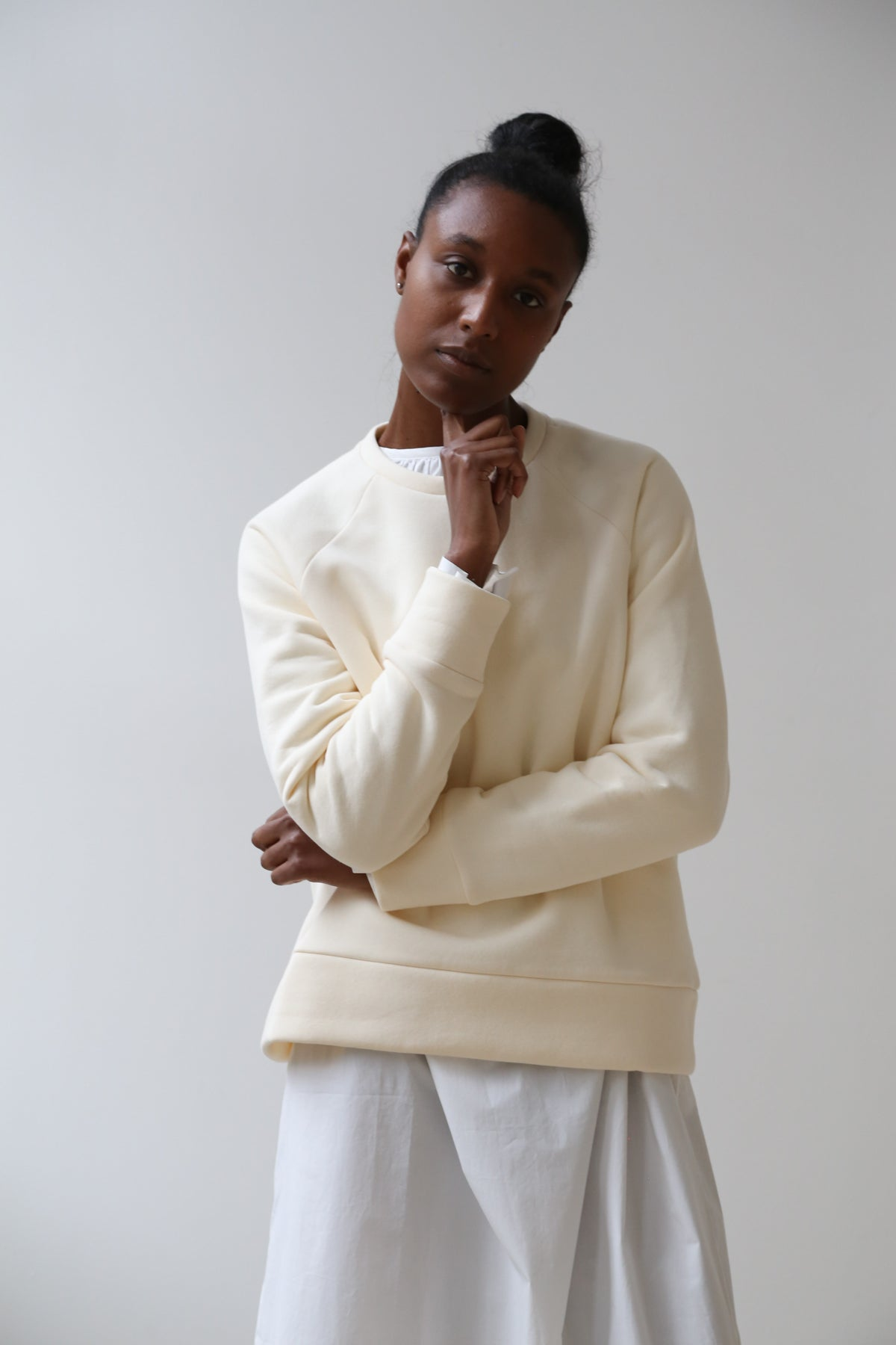 nina donis sweatshirt in cream
